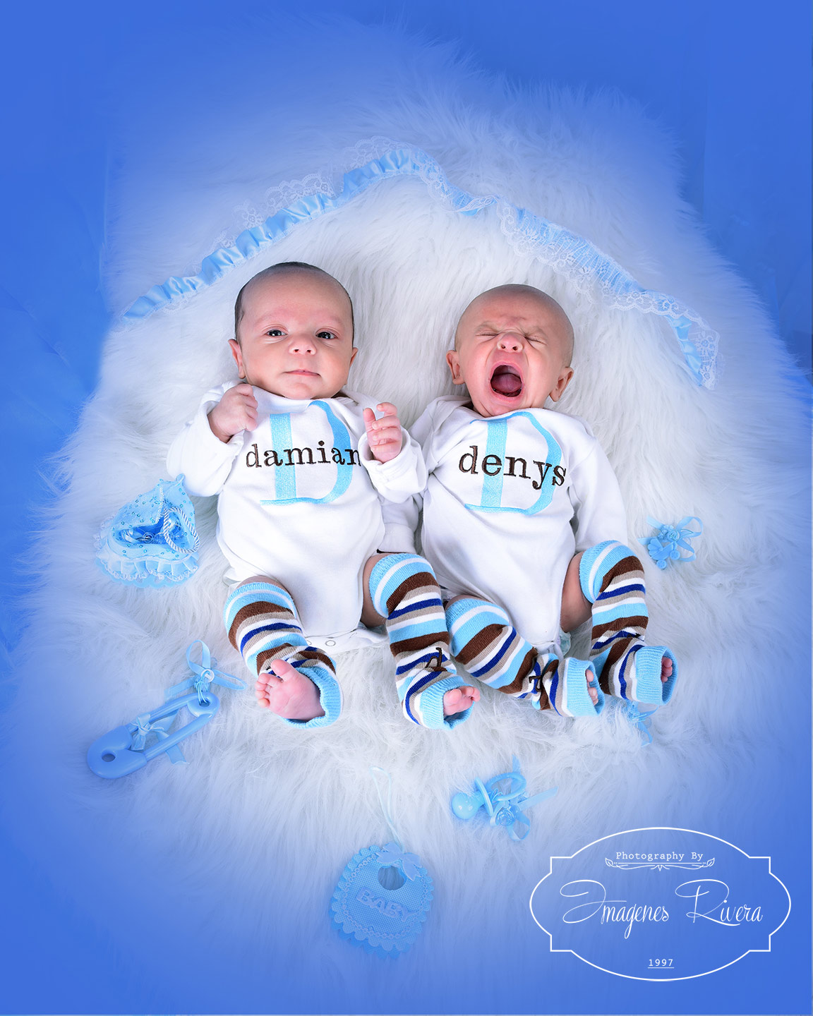 ♥ Denys & Damian twins newborn photography | Imagenes Rivera ♥